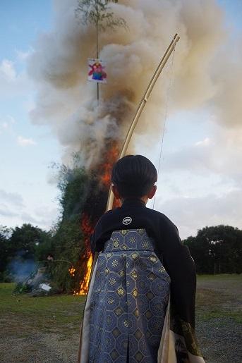 1月7日平野集落の鬼火焚き