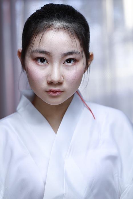 香奈え:巫女4
