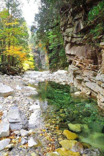10面河渓谷181102