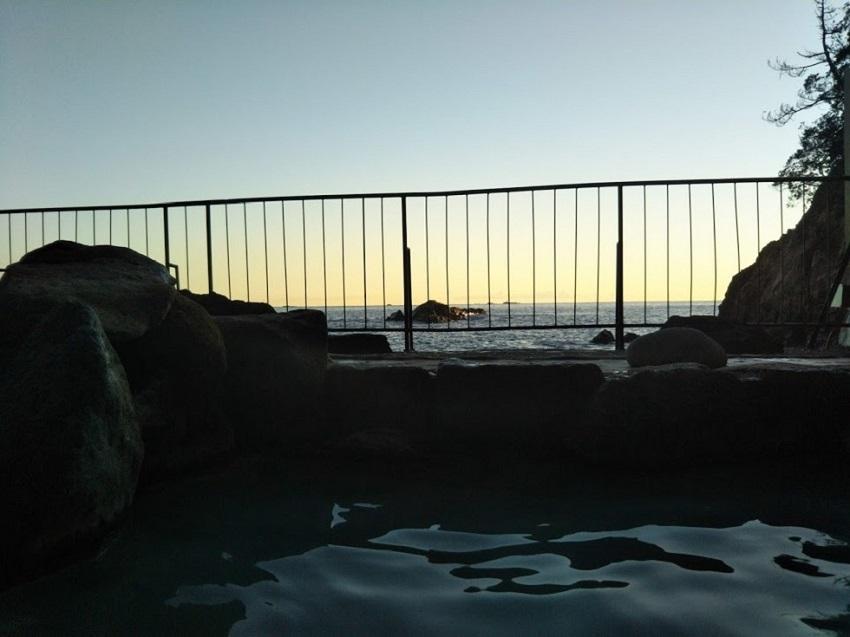 ホテル浦島 露天風呂