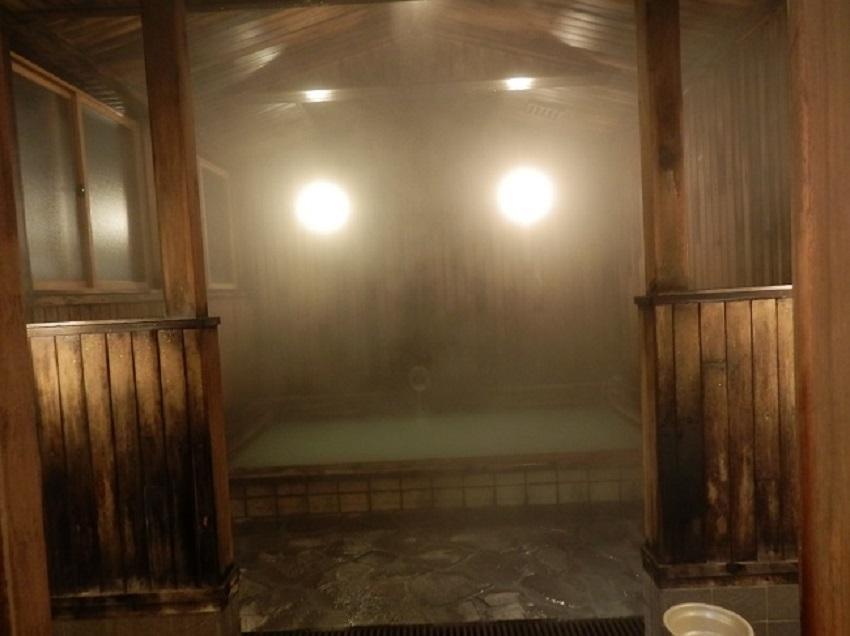 酸ヶ湯旅館 浴場
