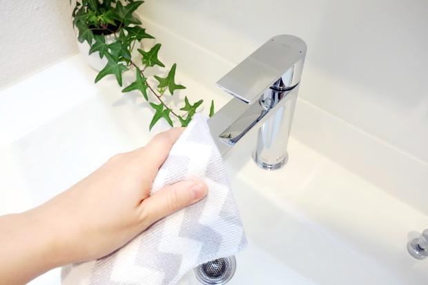 TOTO台付シングル混合水栓TLCF31E1R・洗面所・洗面台・掃除①