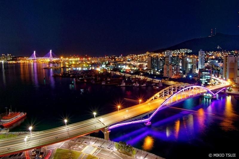 絶景探しの旅 - 0769 夜に映える港町・釜山の夜景(釜山広域市 中区)