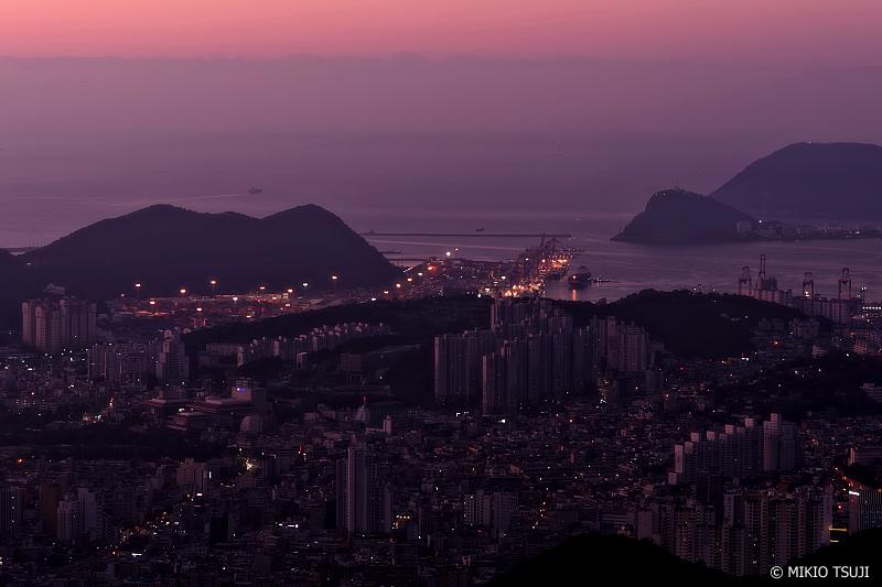 絶景探しの旅 - 0775 夜明けの釜山港 (釜山広域市)