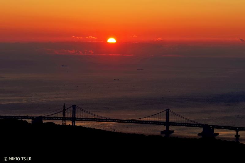 絶景探しの旅 - 0776 昇る朝日と釜山港大橋 (釜山広域市)