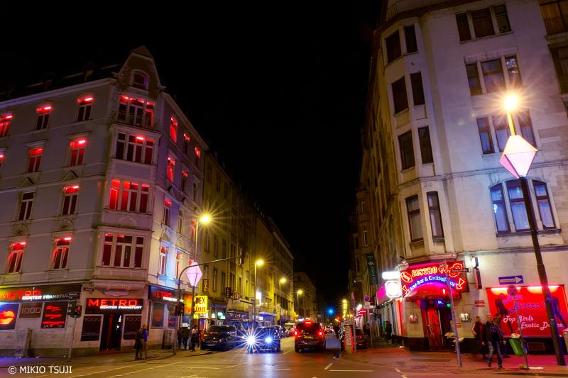 絶景探しの旅 - 0837 夜に表情が一変する街 (ドイツ フランクフルト)