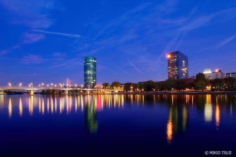 絶景探しの旅 - 0839 明け行く光のマイン川 (ドイツ フランクフルト)